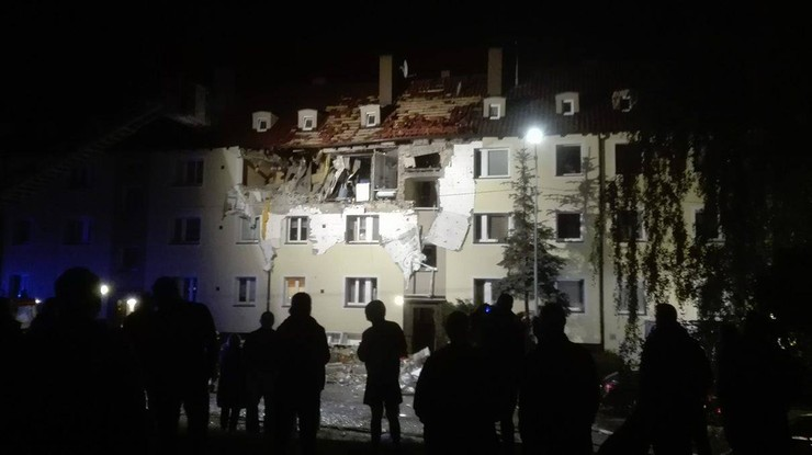 Wybuch gazu w Szczecinie. Eksplozja oderwała ścianę na drugim piętrze