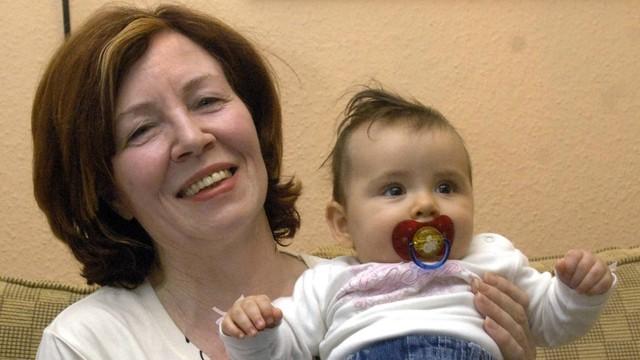 Niemcy: czworaczki 65-letniej kobiety przebywają w inkubatorach