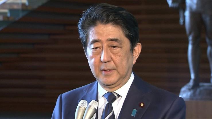 Premier Japonii chce zmienić konstytucję. Do 2020 roku
