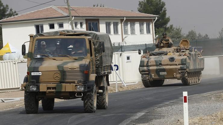 Wspierani przez Turcję syryjscy rebelianci posuwają się na południe