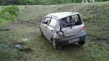 23-05-2017 10:22 Pijany wsiadł za kierownicę dwa razy. Skończył dachując na poboczu
