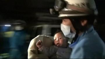 """15-04-2016 18:30 """"Cud"""" w Japonii. 8-miesięczne dziecko uratowane spod gruzów domu"""