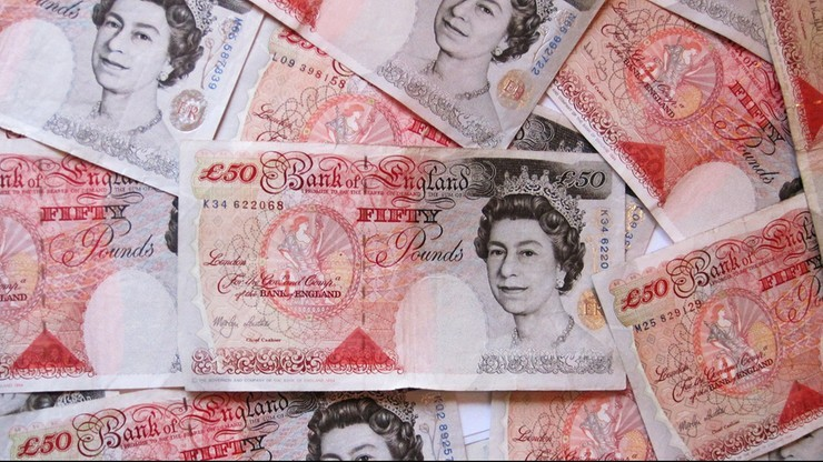 Wzrósł popyt na euro i dolary przed brytyjskim referendum