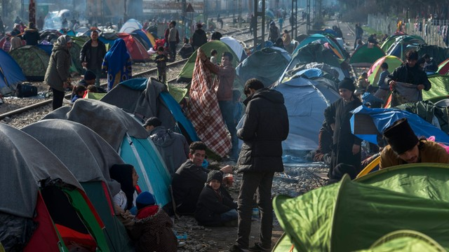 Grecka policja: Macedonia zaostrzyła restrykcje wobec uchodźców