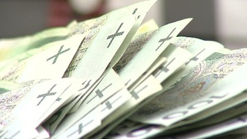 22-04-2016 06:12 SGH: mniej pieniędzy z podatku bankowego. Banki znalazły sposoby na jego częściowe uniknięcie [RAPORT]
