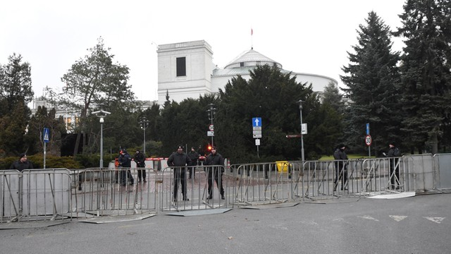 Prokuratura wszczęła śledztwo ws. wydarzeń przed Sejmem