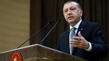 "10-05-2016 18:12 ""Czarna komedia"". Turecki prezydent ostro o UE"