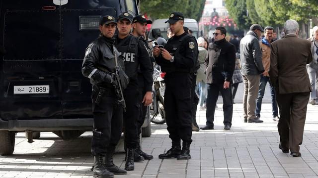 Tunezja: władze wprowadziły godzinę policyjną