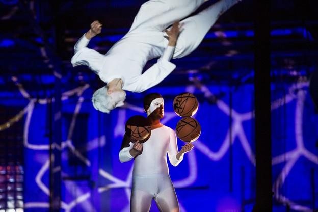 Teatr akrobatyczny z pierwszym występem w dawnej parowozowni