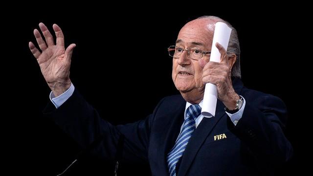 Szef FIFA Blatter nie jest już członkiem MKOl