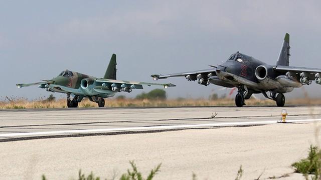 Obserwatorium: Rosjanie rozbudowują drugą bazę lotniczą w Syrii