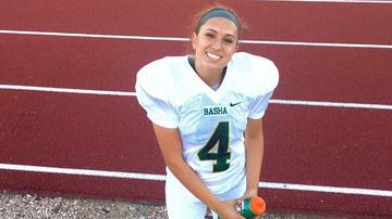 2017-06-20 NFL: 18-letnia Longo pierwszą kobietą z szansami na występ