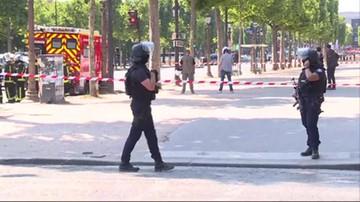 Incydent w Paryżu. Samochód uderzył w policyjną furgonetkę
