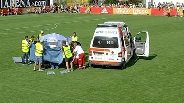 2017-07-08 Dramatyczne sceny. Piłkarz Ajaksu stracił przytomność na meczu