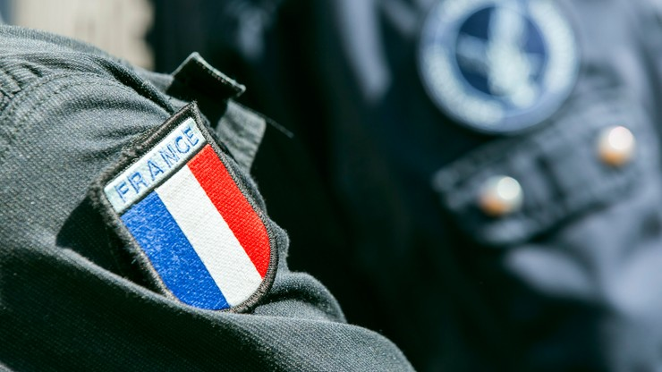Francja: rząd chce przedłużyć stan wyjątkowy o kolejne dwa miesiące