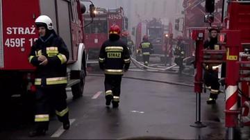 Pożar pasażu handlowego w Żarach.