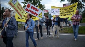 12-08-2016 20:06 Trasa katowicka już przejezdna. Mieszkańcy protestowali przeciw linii energetycznej