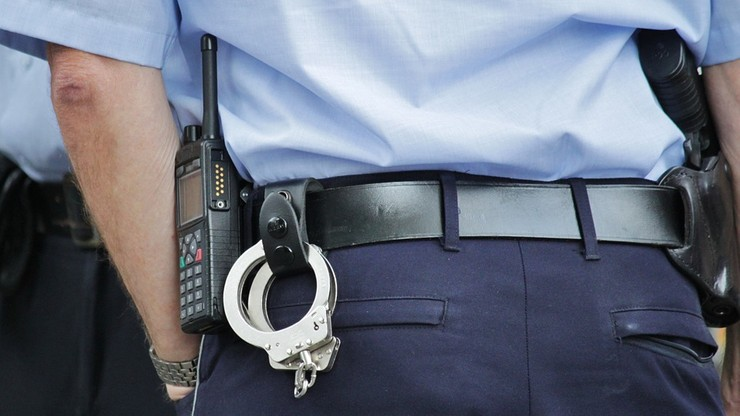 17-latek zaatakował nożem policjanta. Usłyszał kilka zarzutów