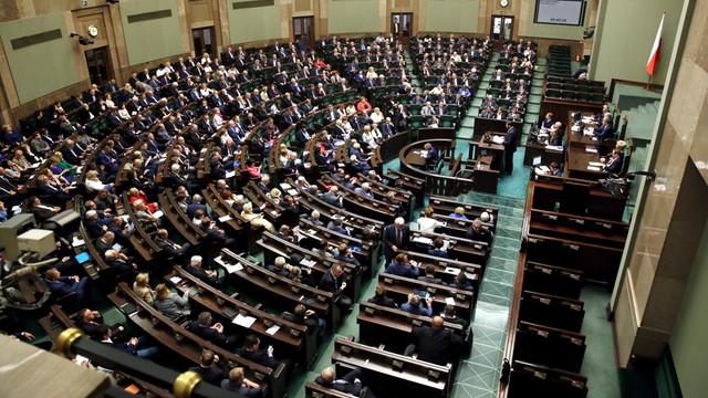 Sejm uchwalił ustawę o in vitro