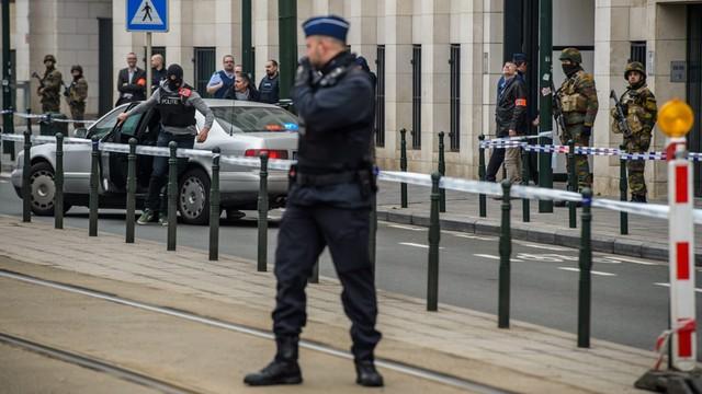 Belgijskie media: w Brukseli działało jednak pięciu zamachowców