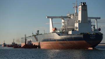 15-08-2016 16:29 Supertankowiec wpłynął do Gdańska
