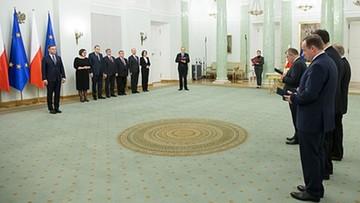 03-12-2015 07:04 Prezydent odebrał ślubowanie od sędziów TK