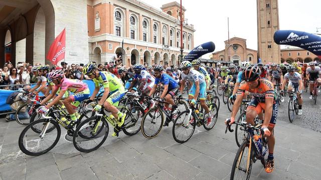 Giro d'Italia: zwycięstwo Ilnura Zakarina, Paterski ósmy