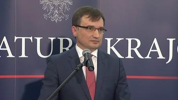 """10-08-2016 07:31 """"Środowiska LGBT używają sankcji przymusu państwowego"""". Ziobro pisze do Bodnara"""