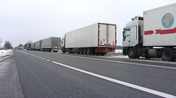 12-02-2016 18:35 Kolejki rosyjskich tirów na granicy Litwy i Białorusi