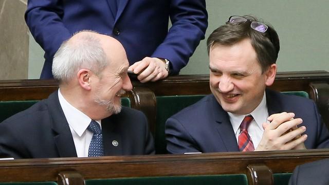 Sejm - cała władza w ręce Ziobry