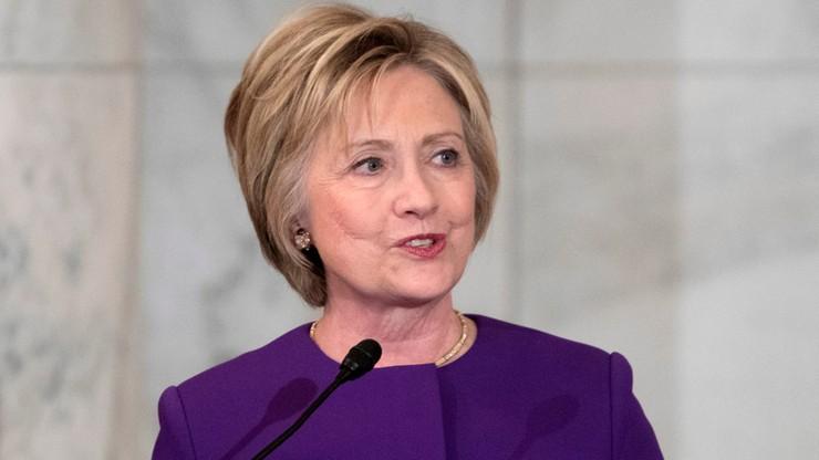 """Clinton apeluje o walkę z """"epidemią"""" nieprawdziwych newsów"""