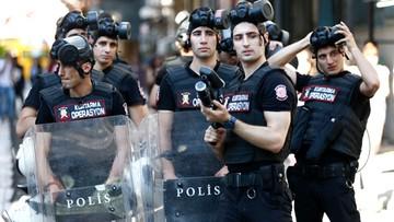 25-06-2017 19:40 Turcja: policja ostrzelała uczestników parady równości kulami kauczukowymi