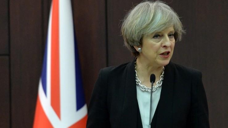 Brytyjska premier poprosiła ministrów o interwencję ws. dekretu Trumpa
