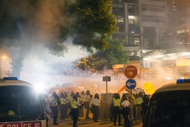 Hongkong: kolejny dzień protestów, starcia z policją