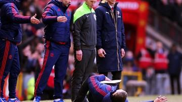 28-02-2016 18:42 Menedżer Manchesteru United podbił internet. Oscarowa kreacja na murawie Old Trafford