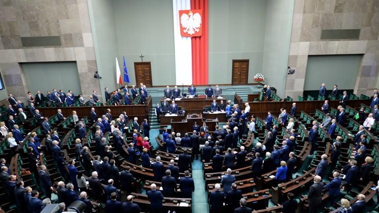 Sejm nie zgodził się na odrzucenie projektu wprowadzającego program 500+. Projekt trafi do komisji polityki społecznej i rodziny