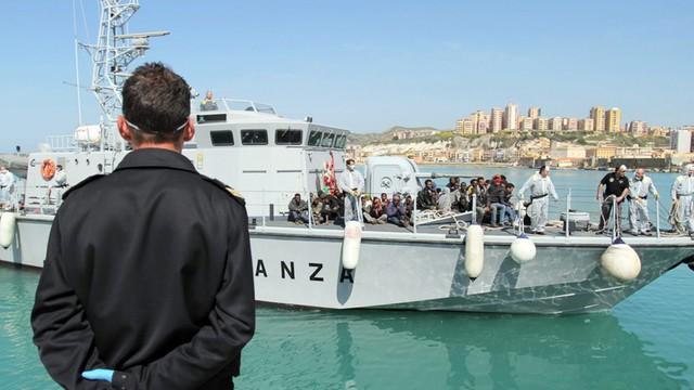 Włochy: poważne problemy z identyfikacją uchodźców