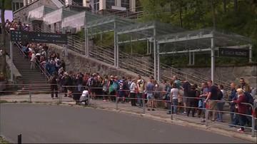 28-07-2017 12:59 Wielogodzinna kolejka do kolejki na Kasprowy Wierch. Turyści nie chcą wchodzić na szczyt. Wolą czekać
