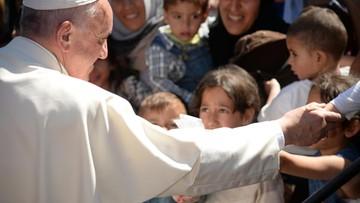 16-04-2016 14:28 Papież do uchodźców na Lesbos: nie jesteście sami