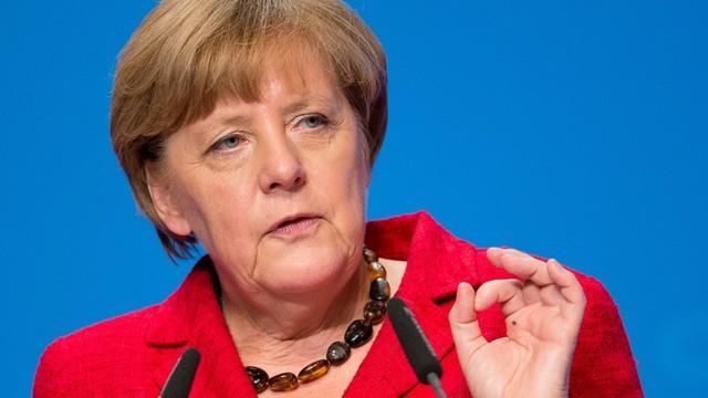 Merkel: uchodźcy muszą respektować prawo