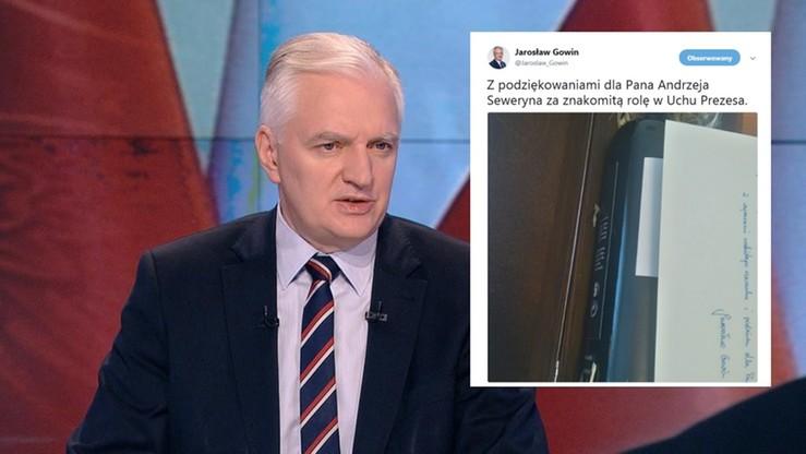 """Jarosław Gowin """"obejrzał się"""" w """"Uchu Prezesa"""". Wyśle wino i notkę z gratulacjami dla Andrzeja Seweryna"""