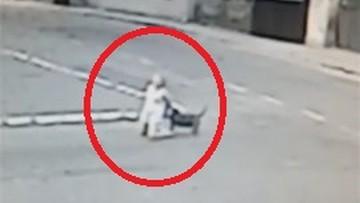 21-07-2017 17:49 Wybiegł z bramy i przewrócił ją na ziemię. Agresywny pies zaatakował nastolatkę