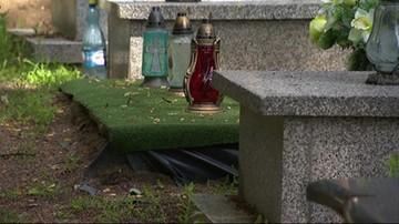 Szokujące odkrycie na cmentarzu. W dwuosobowym grobie znaleziono szczątki sześciu osób
