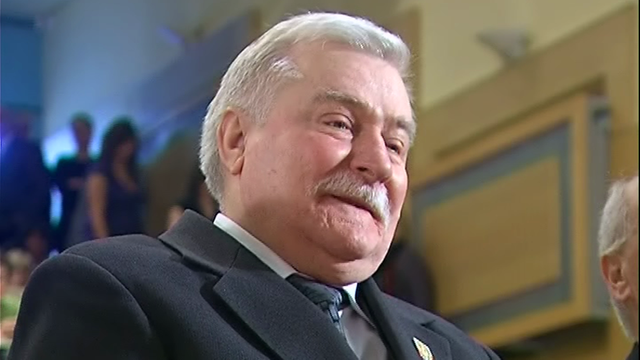 Lech Wałęsa zrzekł się nagrody Człowieka Roku w 2004