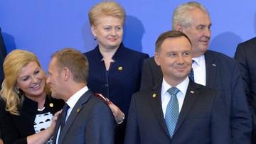 09-07-2016 16:18 Donald Tusk nie chciał stanąć obok prezydenta Dudy? Zobacz wideo
