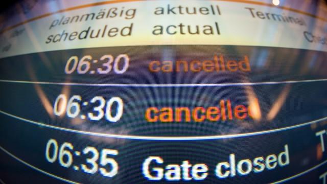 Strajk pilotów Lufthansy przerwany - sąd uznał, że jest nielegalny