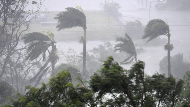 Australia: Potężny cyklon Debbie zaatakował