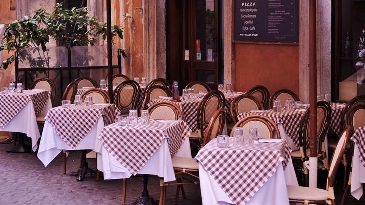 Włochy: podatek od wycieraczek i serwetek