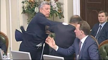 """14-11-2016 17:24 Bójka w ukraińskim parlamencie. Powodem """"instrukcje"""" z Kremla"""