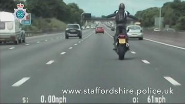 Polski motocyklista popisywał się na autostradzie w Anglii. Trafi na 8 miesięcy do więzienia